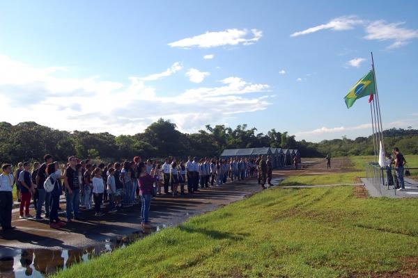 Evento foi realizado na Base Aérea de Santos e recebeu 120 adolescentes de escolas da região