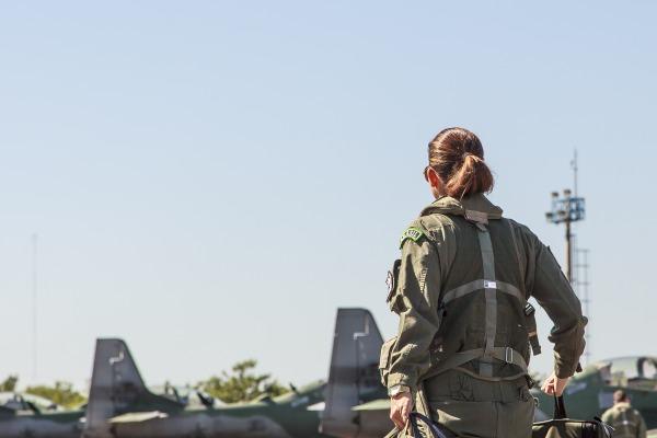 Além de aviadora, as mulheres exercem diversas funções nos esquadrões