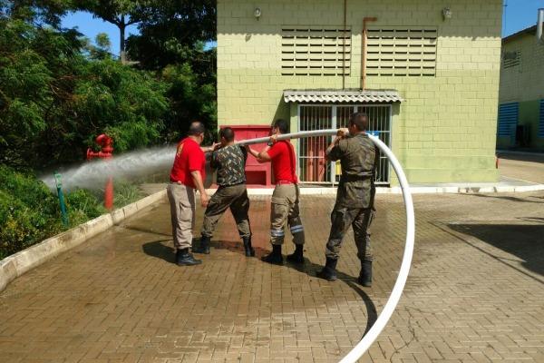 Eles tiveram instruções visando a valorização da saúde e segurança dos habitantes da localidade