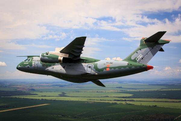Nossa equipe esteve em Gavião Peixoto (SP) acompanhando ensaios em voo do cargueiro da FAB