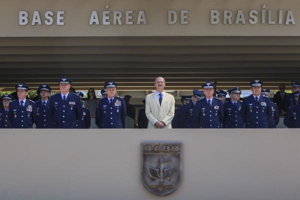 Civis e militares foram agraciados com a Medalha Bartolomeu de Gusmão em reconhecimento aos relevantes serviços prestados à FAB