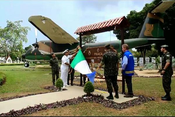 A Praça Integração das Forças Armadas, em Manaus, e a Duarte Silva, em Bauru, estão abertas a visitação do público