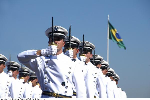 São 70 vagas para os Cursos de Formação de Oficiais Aviadores, Intendentes e de Infantaria