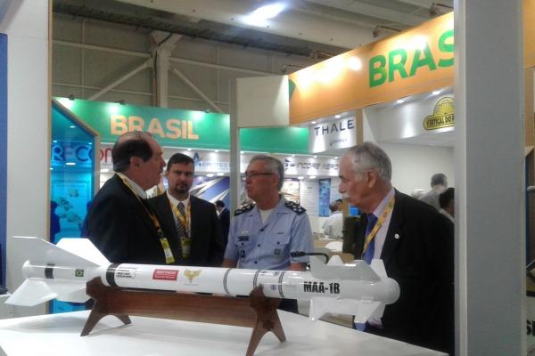 Cerca de 60 empresas brasileiras participaram o maior evento aéreo das Américas