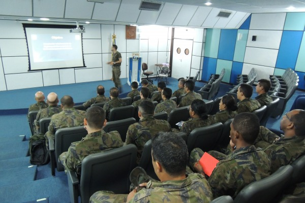 CLA realiza CPOL para militares e servidores civis  Sd BORGES/ CLA