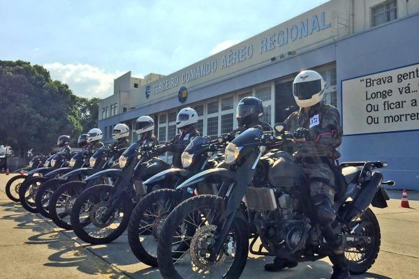 Batalhão de Infantaria da FAB realiza capacitação de motociclistas