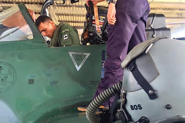 O primeiro aspirante a realizar o voo solo foi Gabriel Boscolo
