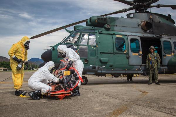 Cerca de 40 militares das Forças Armadas participaram do exercício de evacuação aeromédica na Base Aérea dos Afonsos