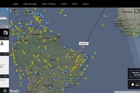 Aeronave comercial que transporta o símbolo dos Jogos Olímpicos pousa em Brasília na manhã desta terça-feira (03/05)