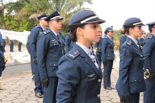 Cerimônia faz parte da promoção dos militares ao primeiro posto de oficial da FAB