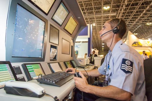 SAGITARIO é um software nacional que facilita o trabalho dos controladores por processar dados de diversas fontes