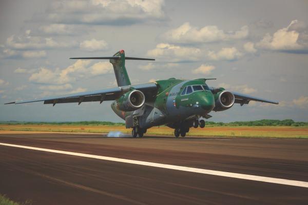 Desenvolvido para suportar 84 toneladas, o trem de pouso do KC-390 desafiou os engenheiros brasileiros e colocou a indústria nacional em um novo patamar