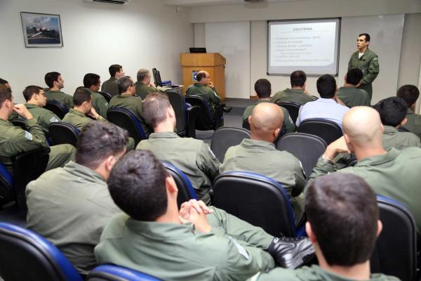 Evento foi realizado pelo Grupo Especial de Inspeção em Voo, responsável por medir, aferir e calibrar equipamentos de auxílio à navegação aérea