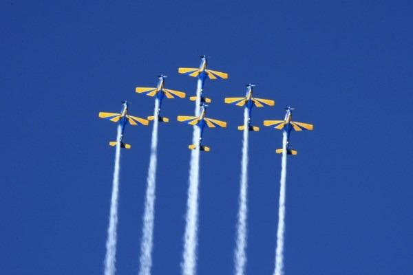 Demonstrações aéreas acontecem às 16h, com entrada gratuita