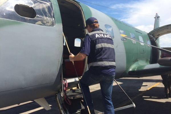 Agentes da ANAC, do Ibama e das Polícias Federal e Civil foram transportados para cidades próximas a Bolívia