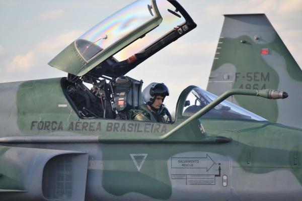 Treinamento reúne mais de 500 militares em cenários de combate