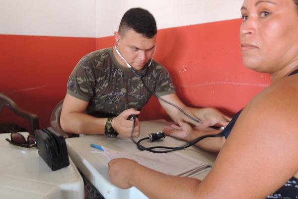 Paciente em triagem de pressão arterial  Sd RODRIGO/ CLA