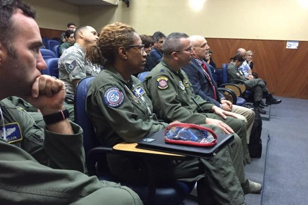 Objetivo foi a troca de informações sobre o tema entre médicos, enfermeiros e pilotos