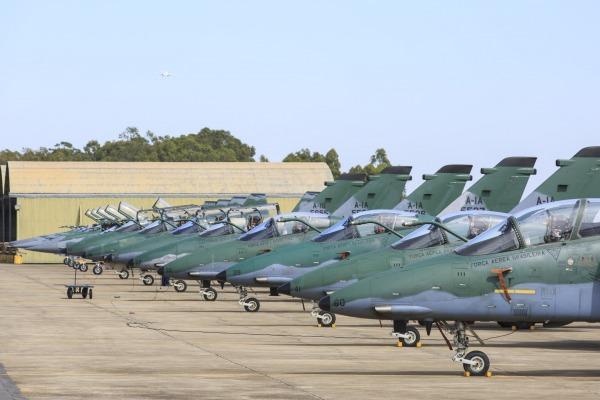 Treinamento visa aprimorar técnicas de defesa aérea