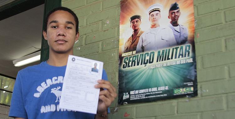 Cerca de 400 mil jovens ainda não se apresentaram nas Juntas do Serviço Militar