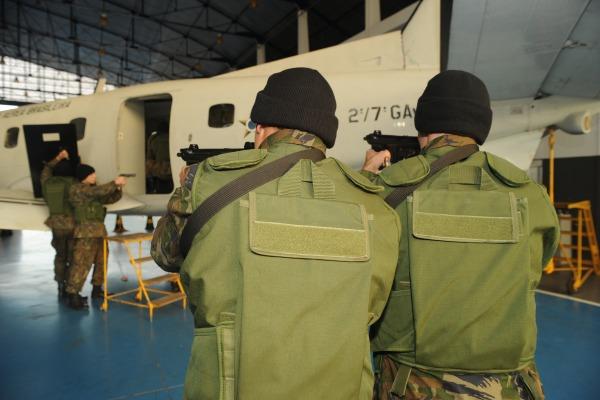 Os envolvidos foram treinados nas medidas afetas às legislações que regem a segurança aeroportuária