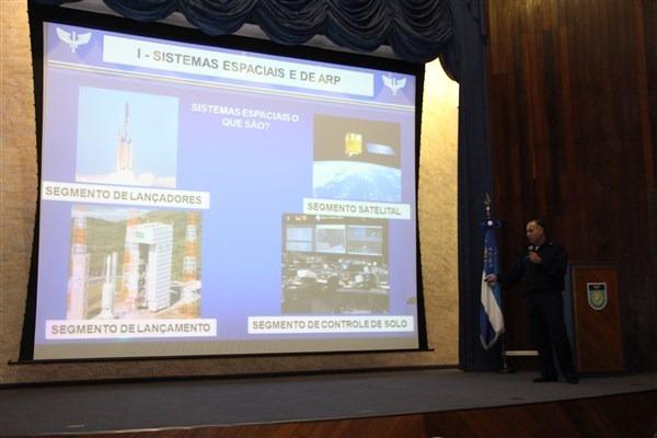 Palestra faz parte do Curso de Altos Estudos que envolve FAB, Marinha e Exército