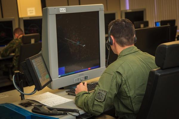 Assista à reportagem que mostra o treinamento dos militares