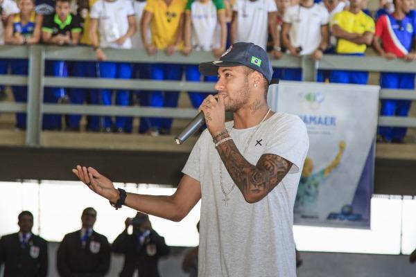 Jogador falou da importância do esporte na formação de valores dos jovens