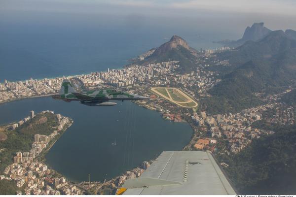 Sobrevoo foi realizado após apresentação das ações da FAB para os Jogos Olímpicos