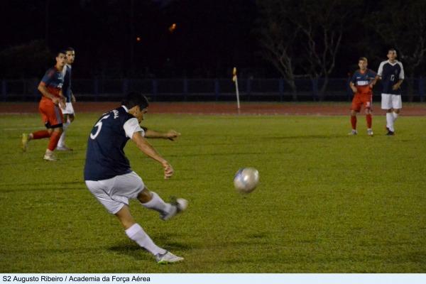 No futebol, o time da AMAN venceu nos penâltis