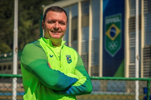 Cores prestam homenagem à bandeira e à paisagem brasileria
