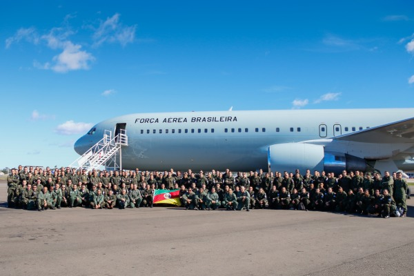 Militares do BINFAE-CO embarcam para o Rio de Janeiro