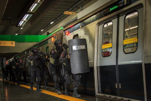 Exercício aconteceu no Maracanã e fez parte da preparação dos militares para a Olimpíada
