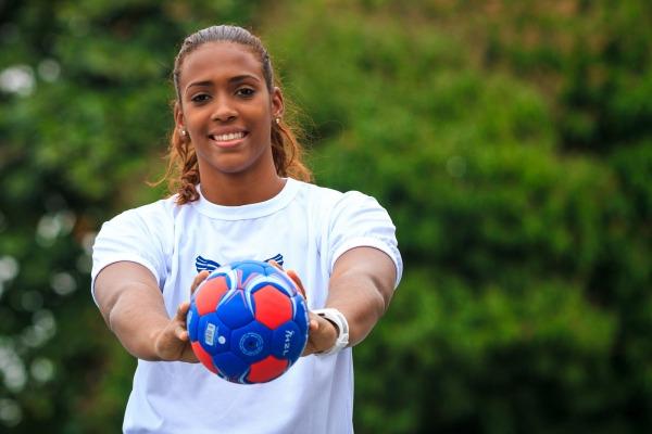 A militar será uma das 14 atletas da seleção brasileira que buscará a conquista inédita