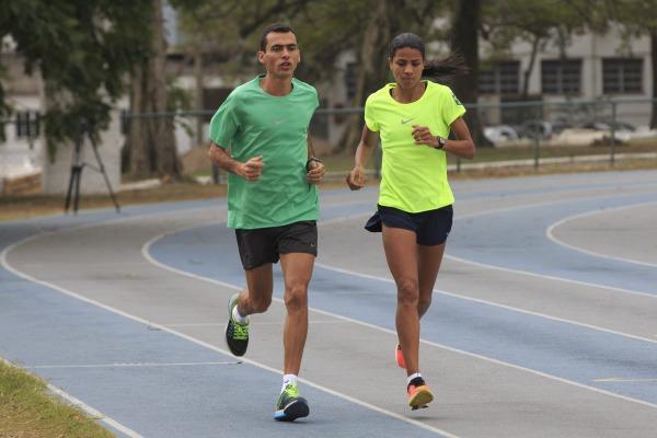 Ele disputará a maratona e ela a prova de 3.000 metros com obstáculos