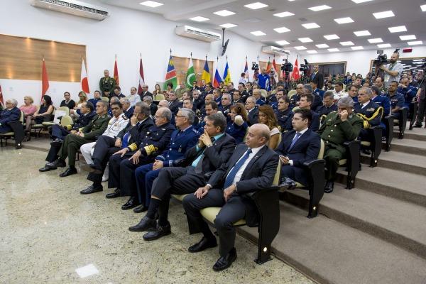 Comandantes das Forças Armadas foram agraciados com medalhas do CISM