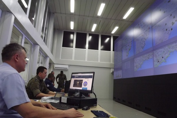Militares monitoram sistemas durante as Olimpíadas