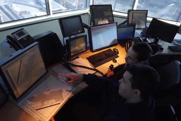 Duplicação da equipe permite que sejam gerenciados até 900 movimentos aéreos