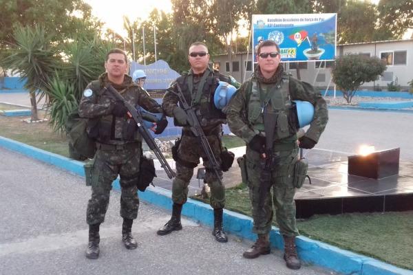 Major de infantaria passou oito meses na Missão de Paz da ONU e agora comanda esquadrão na Escola de Especialistas de Aeronáutica