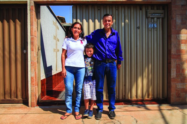 Gilson Dantas, a esposa e o filho/André Feitosa - Agência Força Aérea