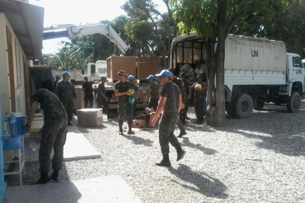 Objetivo é arrecadar alimentos e roupas, entre outros itens, para doação a crianças haitianas