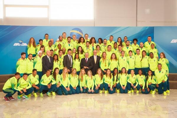 Entre eles, estavam os atletas militares que conquistaram 13 das 19 medalhas do Time Brasil