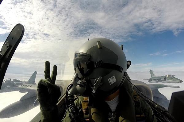 Aeronave A-1M em voo