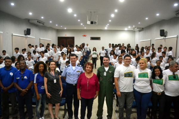 As atividades foram voltadas para 250 crianças e adolescentes participantes do Programa Forças no Esporte