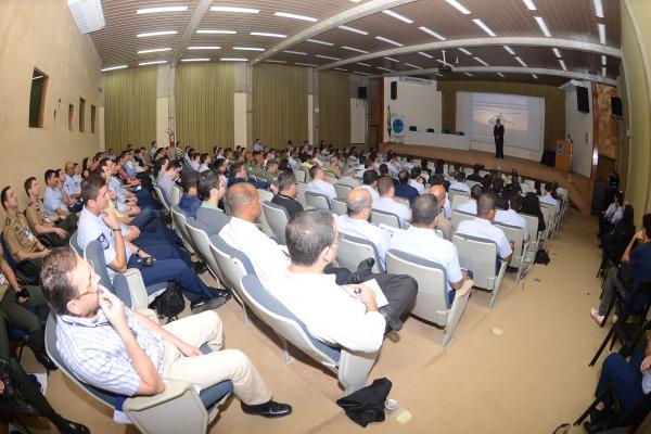 Mais de 200 pessoas participaram do evento