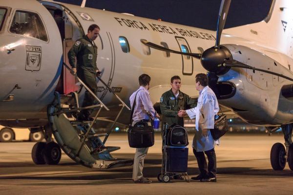 A aeronave pousou na noite desta terça-feira (13/09)
