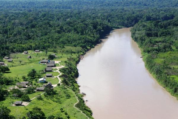 Localidades de difícil acesso são seringais, comunidades ribeirinhas e indígenas