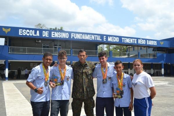 Escola Tenente Rêgo Barros, que atende 1,5 mil estudantes, tem 75 anos de história em Belém