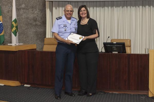 Tenente-Brigadeiro Araújo recebe Menção de Destaque