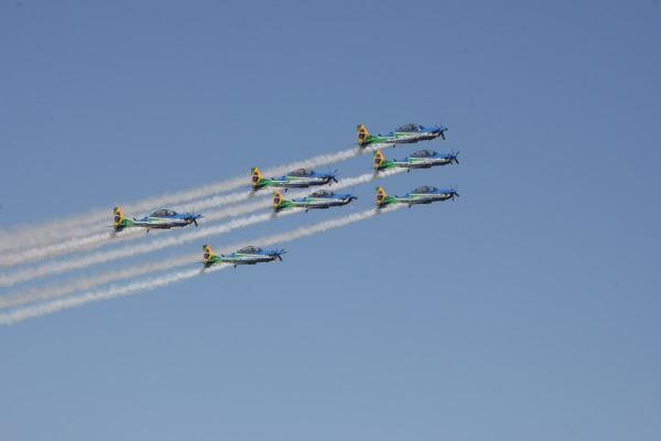 Demonstração aérea acontece às 16h, com entrada gratuita